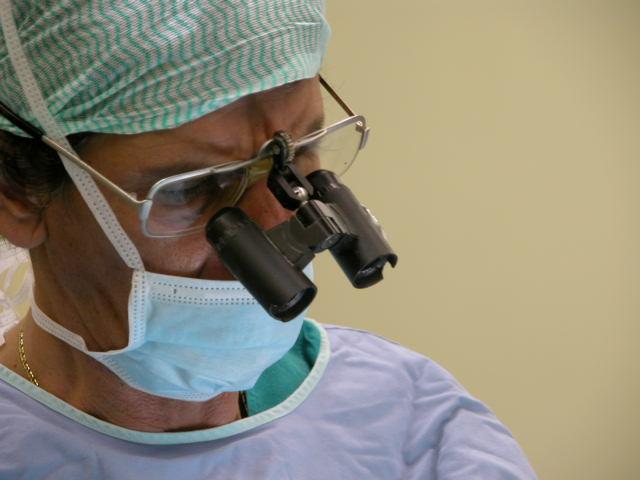 Χειρουργική χεριού - Άνω Άκρου. Ο Παναγιώτης Γιαννακόπουλος συμπληρώνει 27 χρόνια παρουσίας στη Χειρουργική του Χεριού και Άνω Άκρου στο Ιατρικό Κέντρο Αθηνών